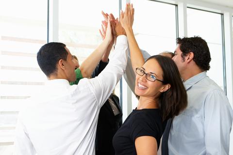 Equipo multidisciplinar de Normas Farma. Participan en proyectos de todas sus divisiones.